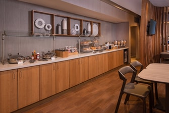 SpringHill Suites Reston Breakfast Buffet