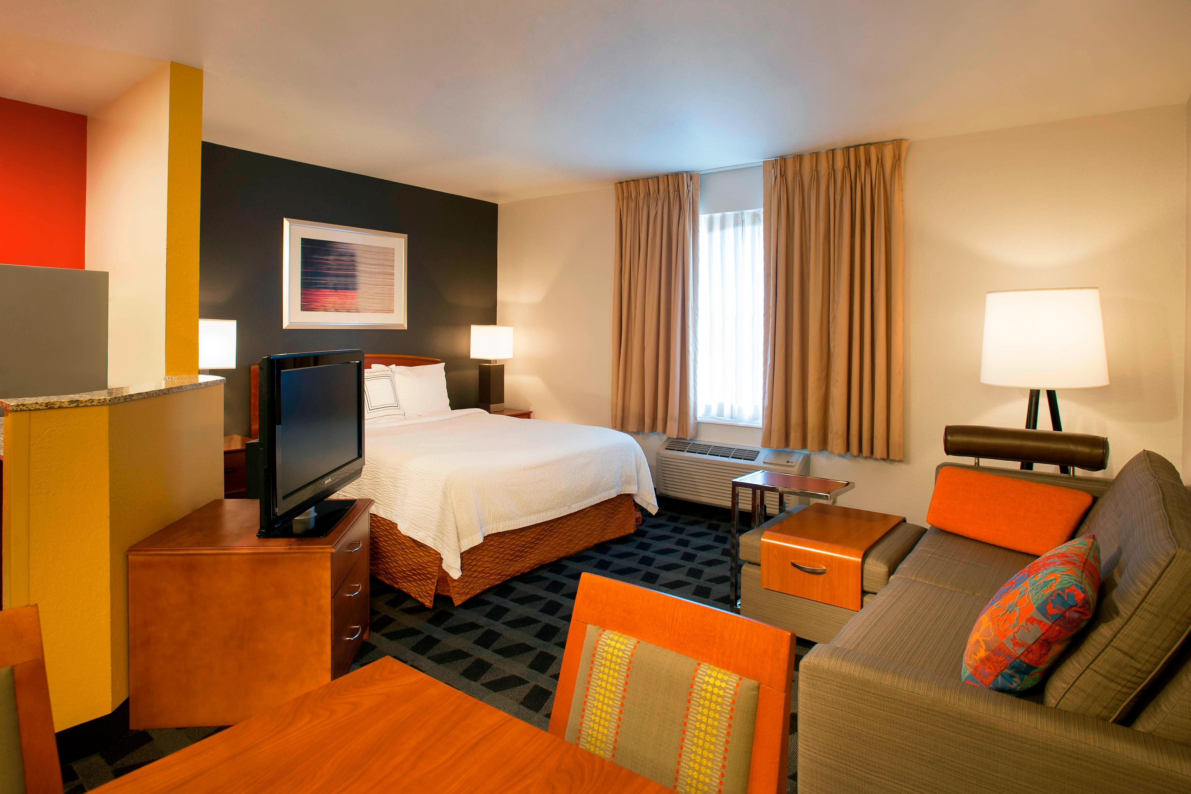 northern virginia hotel towneplace suites dulles airport. Black Bedroom Furniture Sets. Home Design Ideas