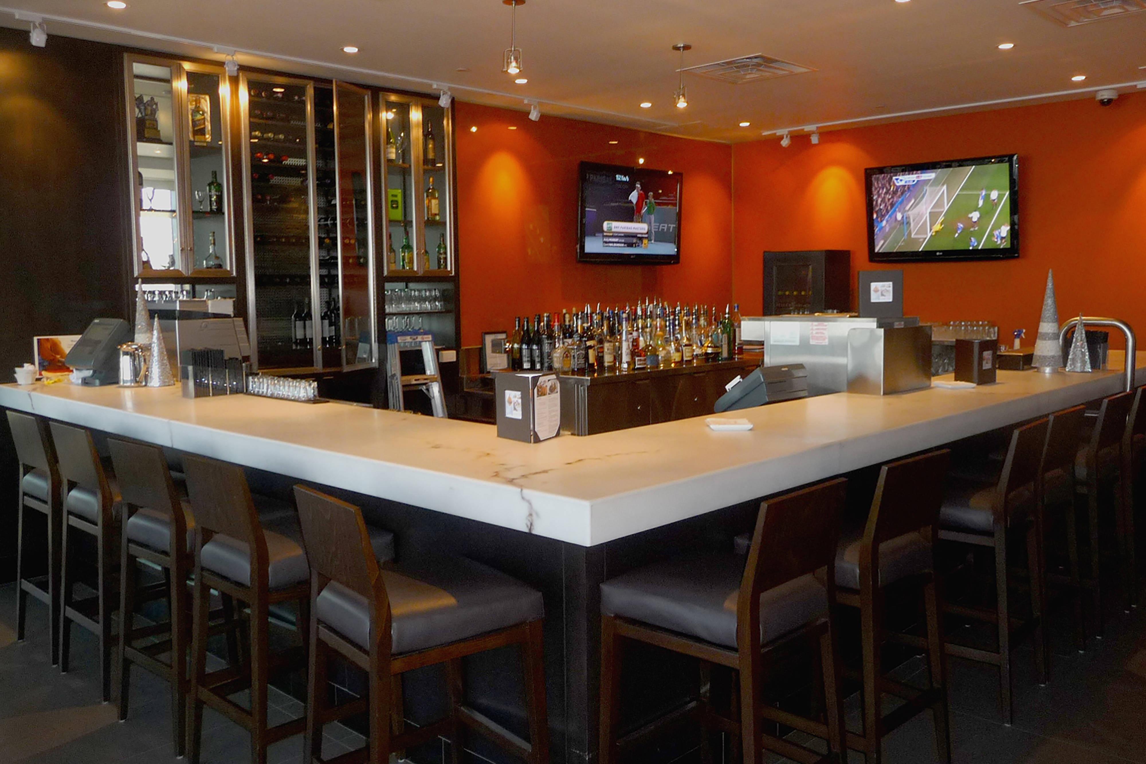 Restaurant Milestones avec vue sur les chutes du Niagara