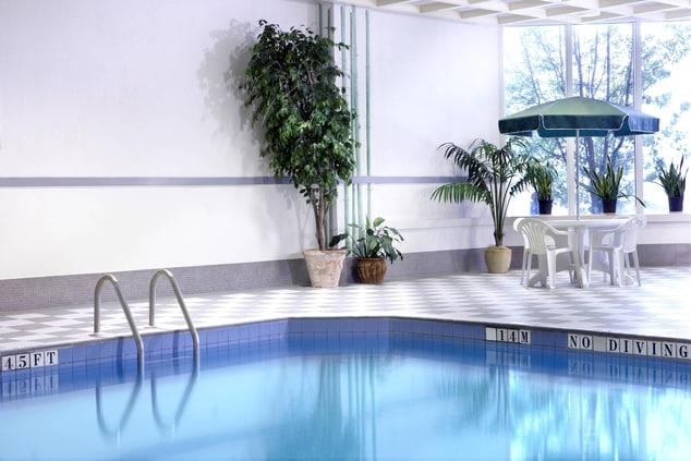 Fallsview hotel indoor pool