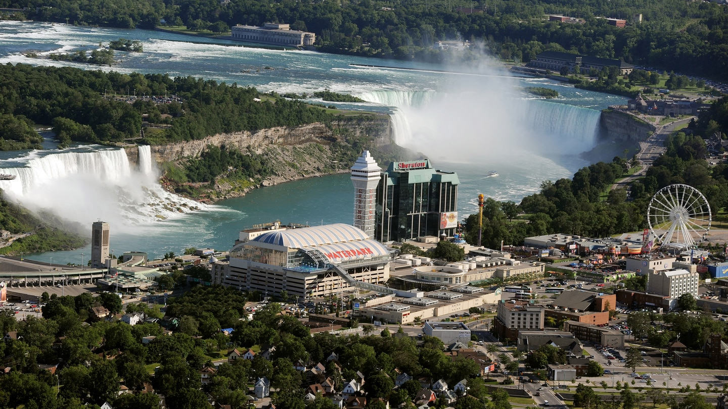 Places To Stay Niagara Falls Canada Sheraton On The Falls Hotel