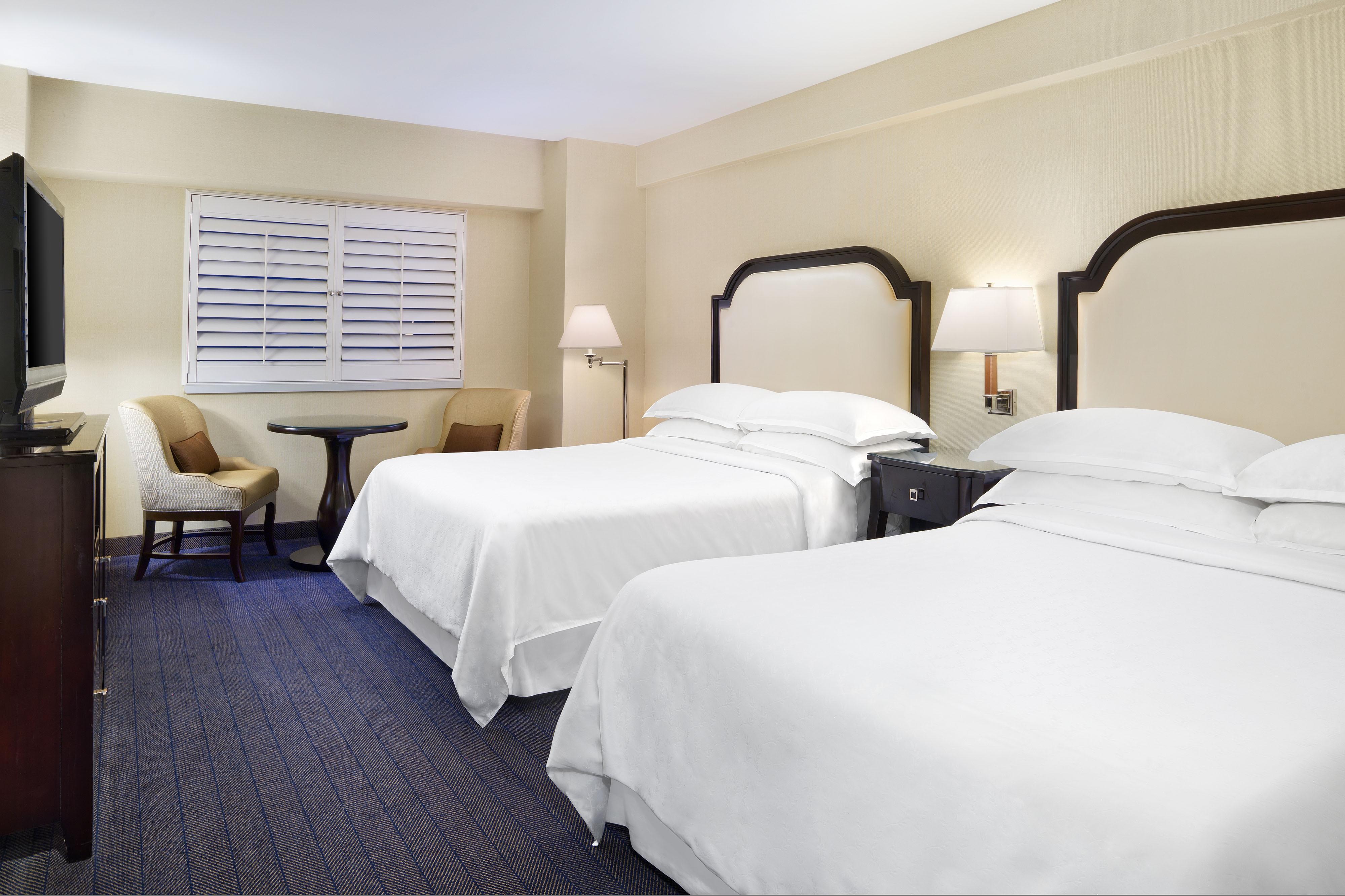 Номер с 2 двуспальными кроватями (Queen)