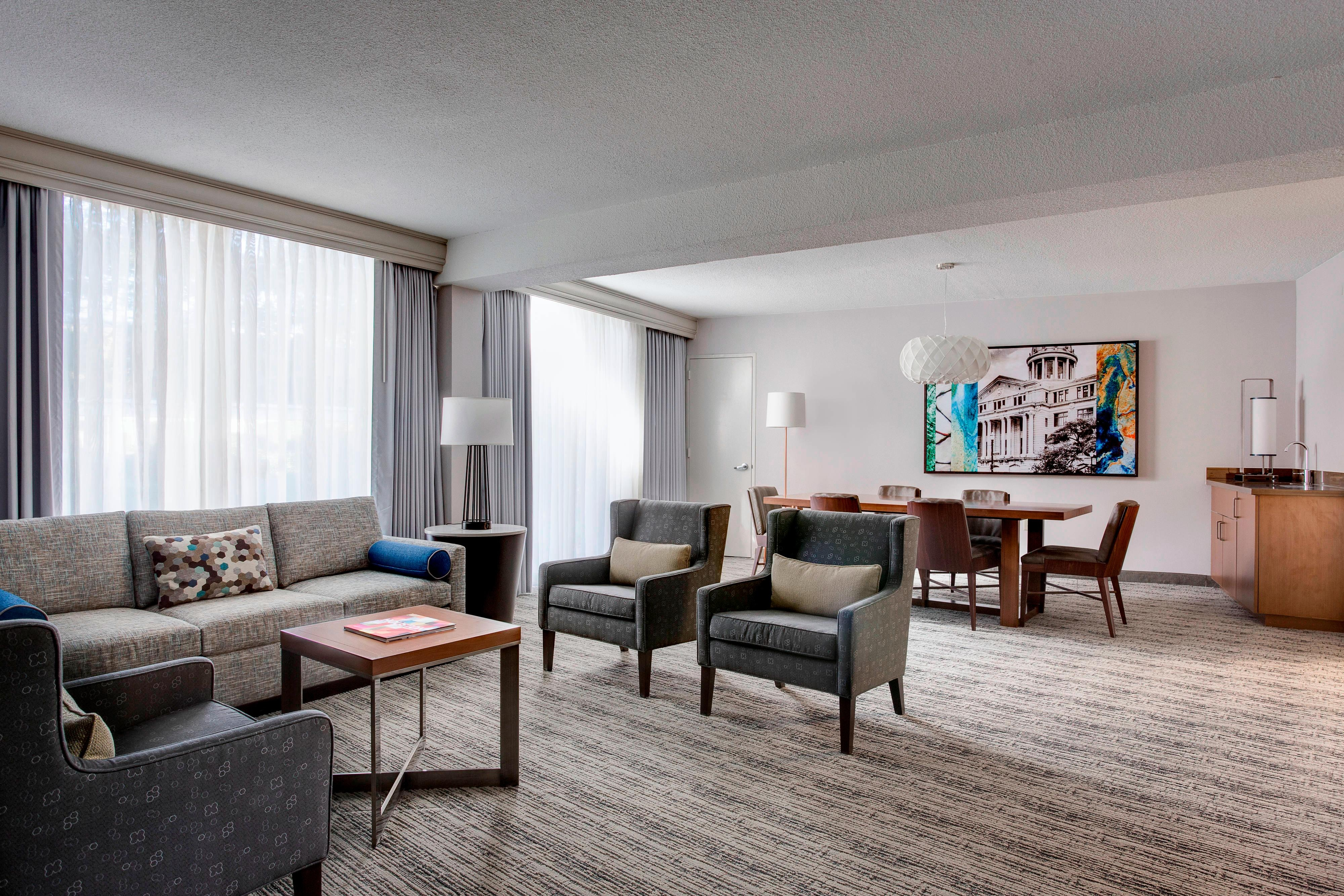 Entertaining Space In Suite