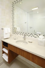 SpringHill Suites Houston Guest Bathroom