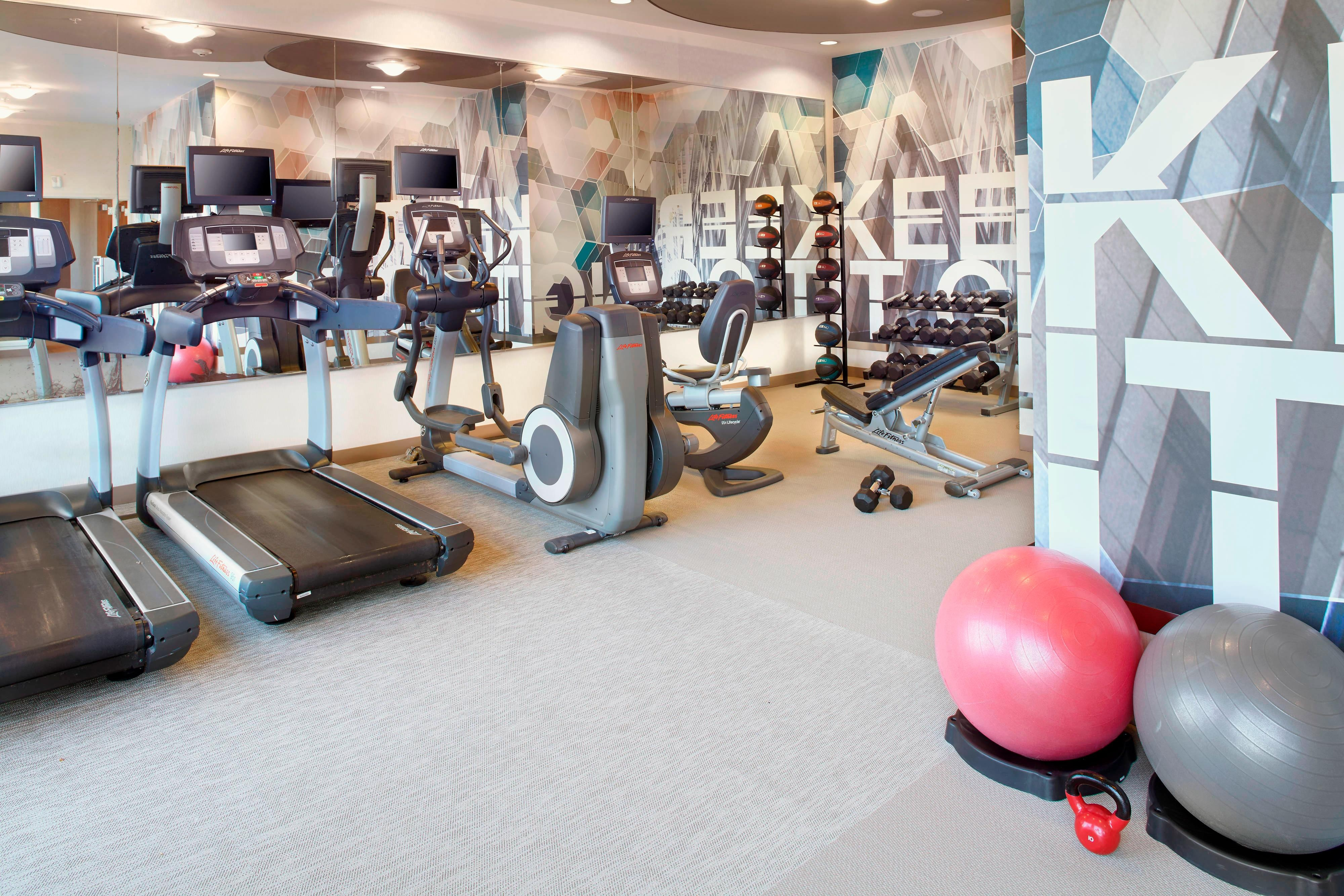 Houston Airport Hotel Fitness Center