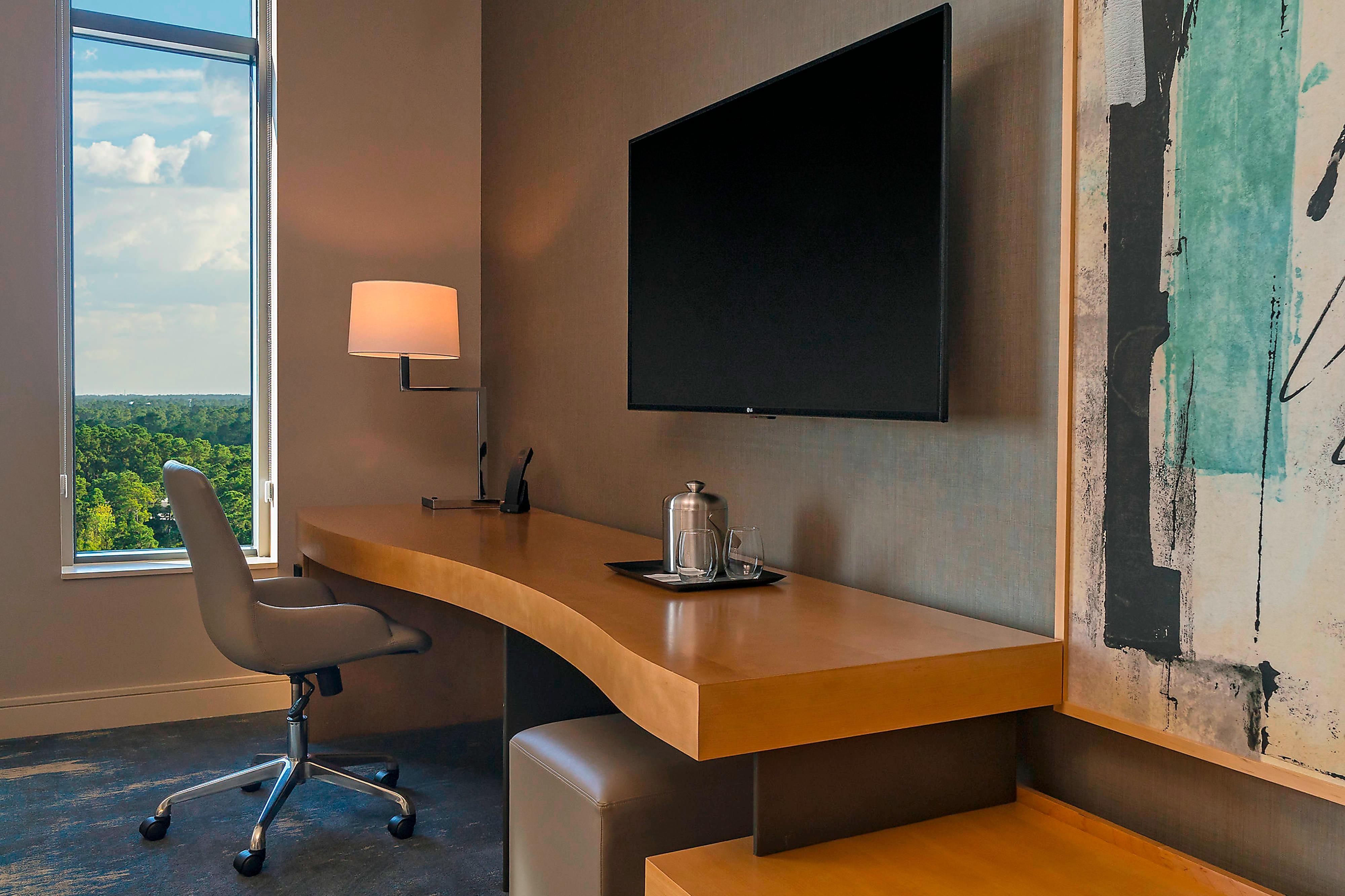 Junior Executive – Desk