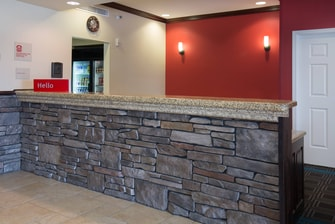 Pocatello Idaho Hotel Front Desk