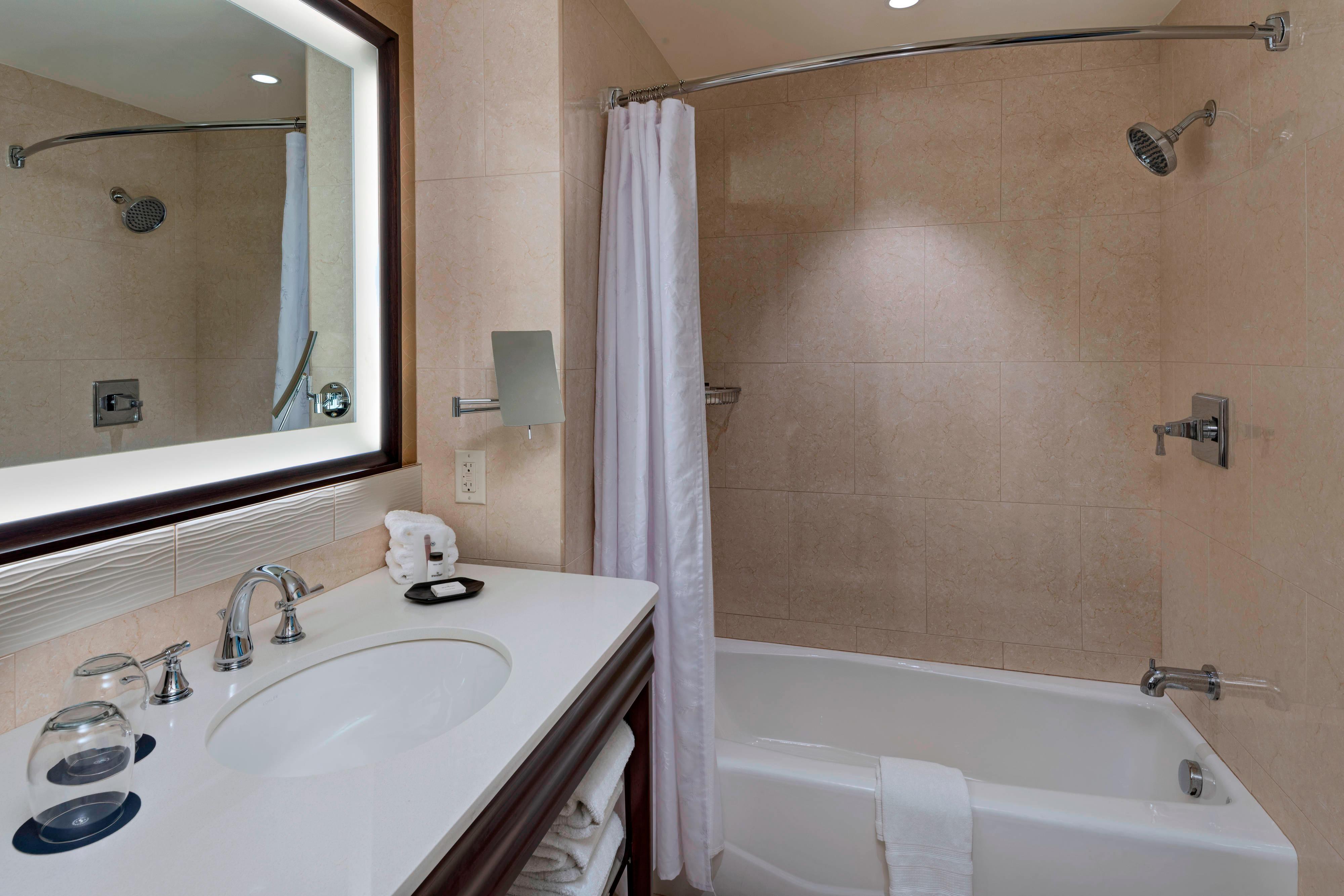 Habitación con dos camas tamaño Queen - Baño