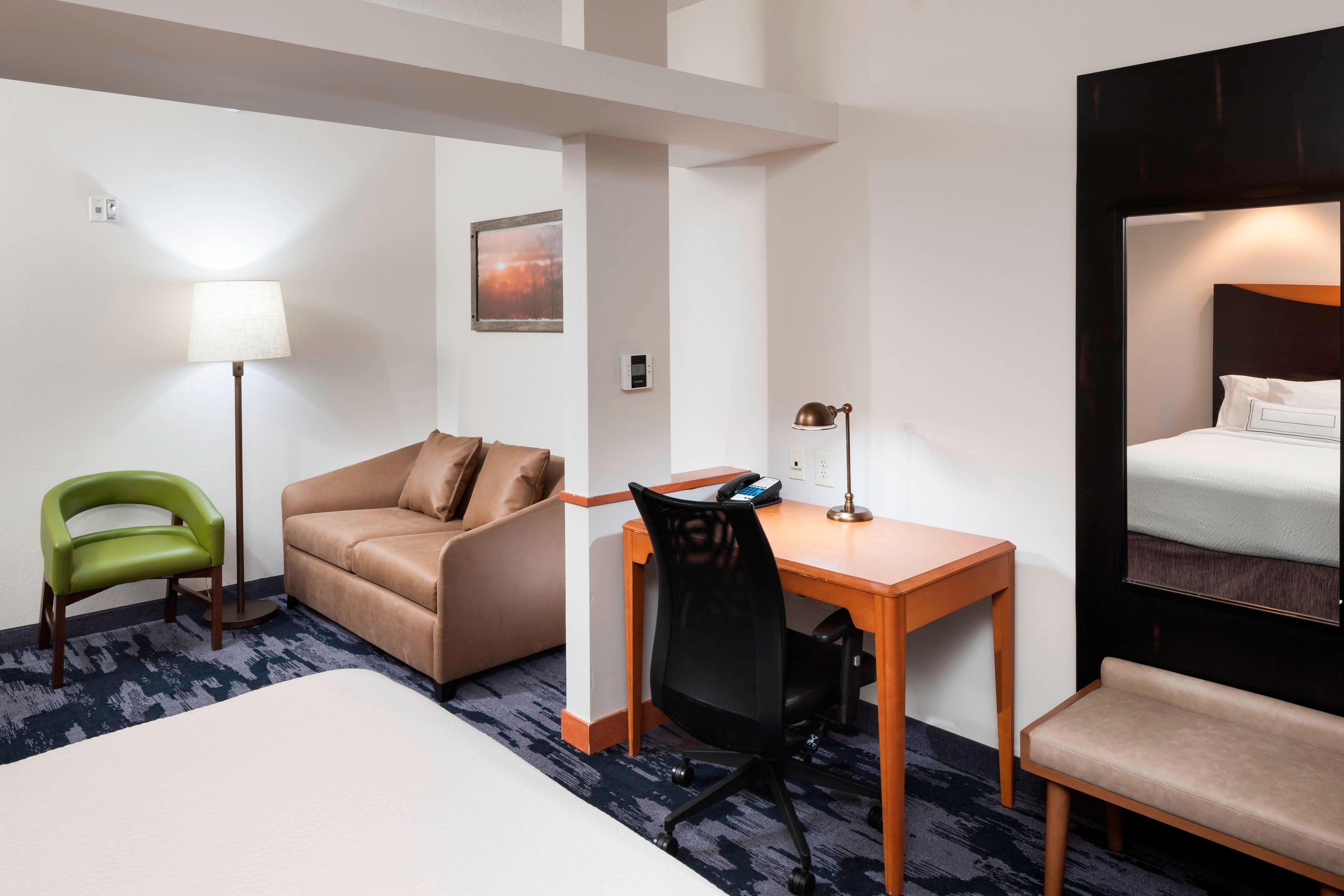 Queen/Queen Suite - In-Room Amenities