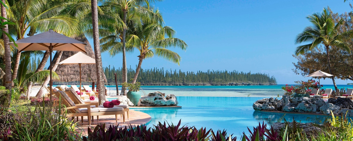 Swimming Pool and Oro Bay