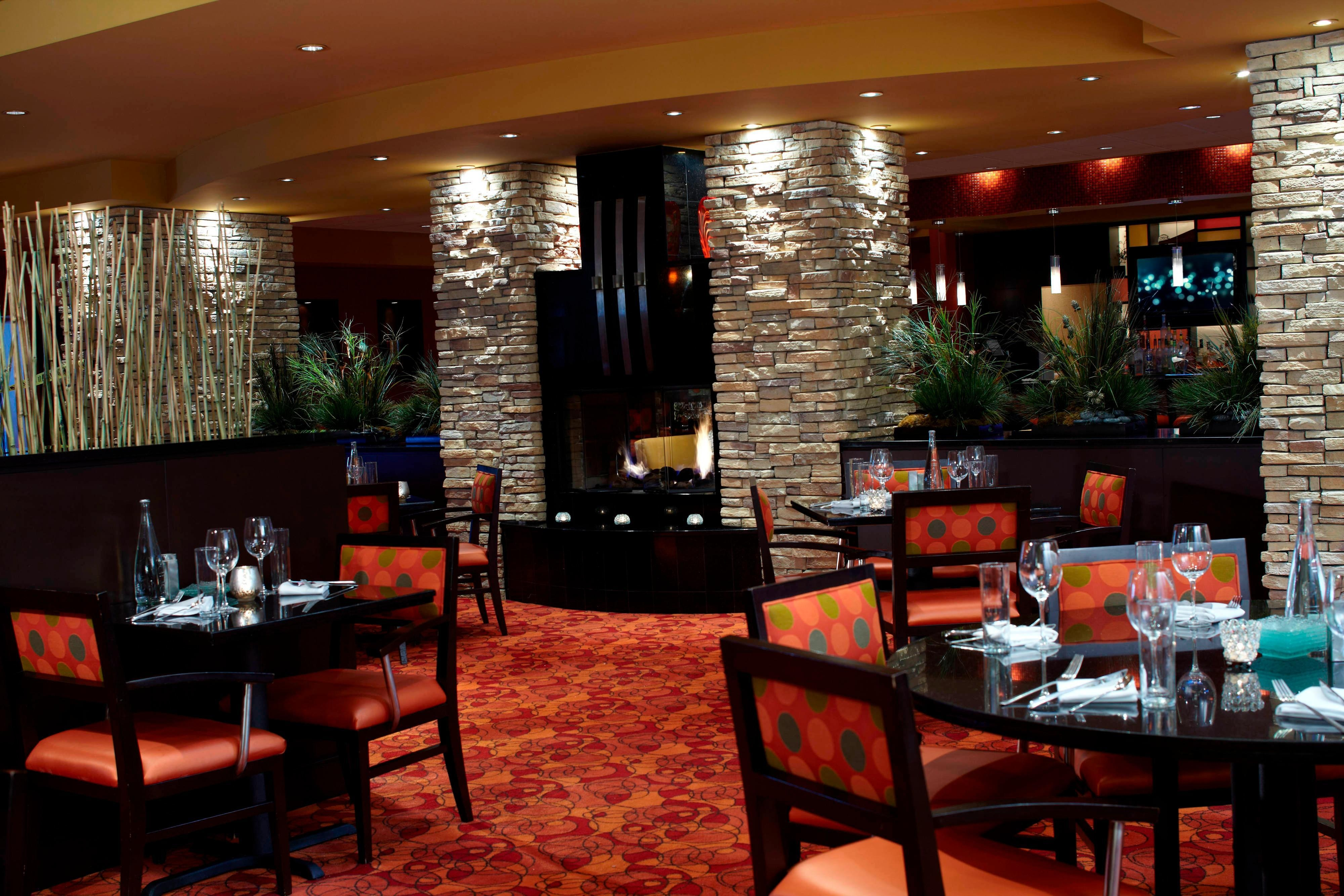 Renaissance Indianapolis North Hotel Dining