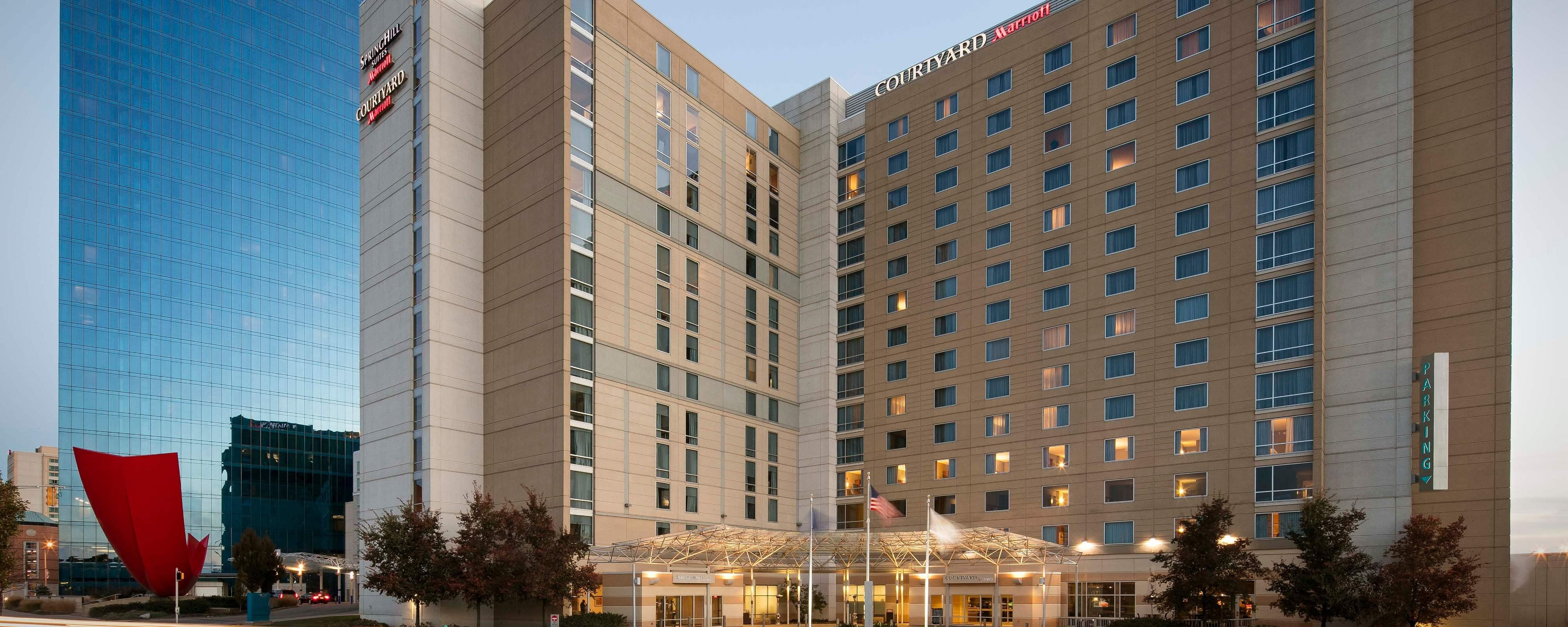 Exterior: Hotel Rooms Downtown Indianapolis