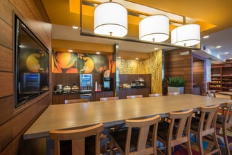 Hotels in northwest Indianapolis