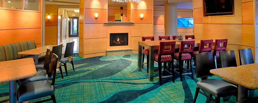 SpringHill Suites Terre Haute Breakfast Seating Area