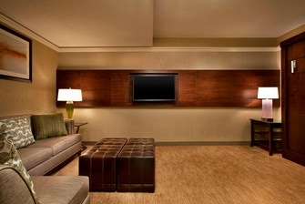 Victory Suite - Living Area