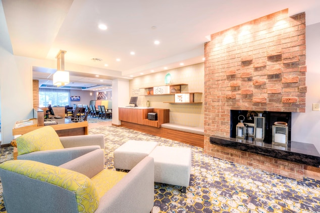 Fairfield Inn & Suites Lobby Seating Area