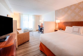 Fairfield Inn & Suites Executive King Suite