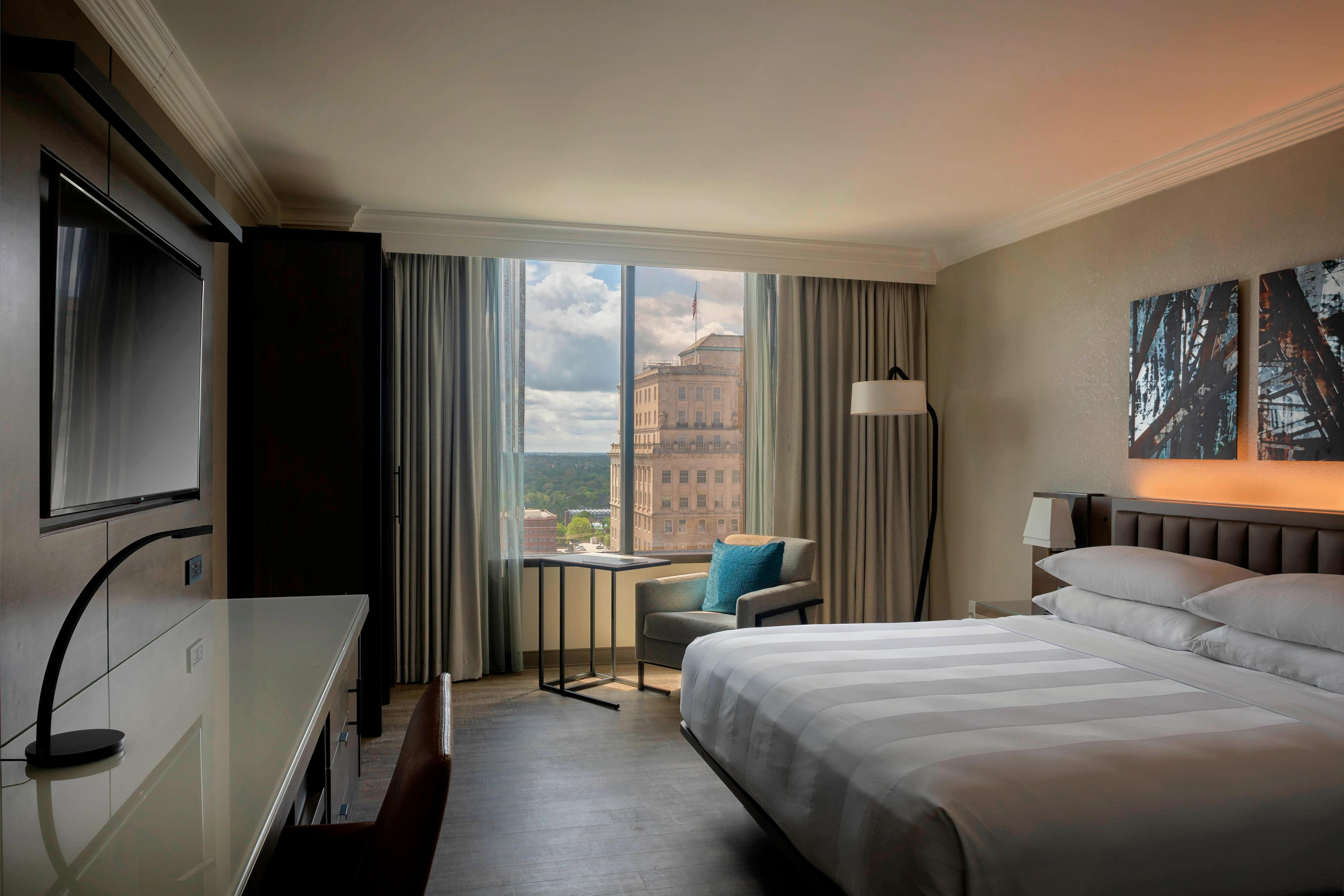 King Guest Room - City View