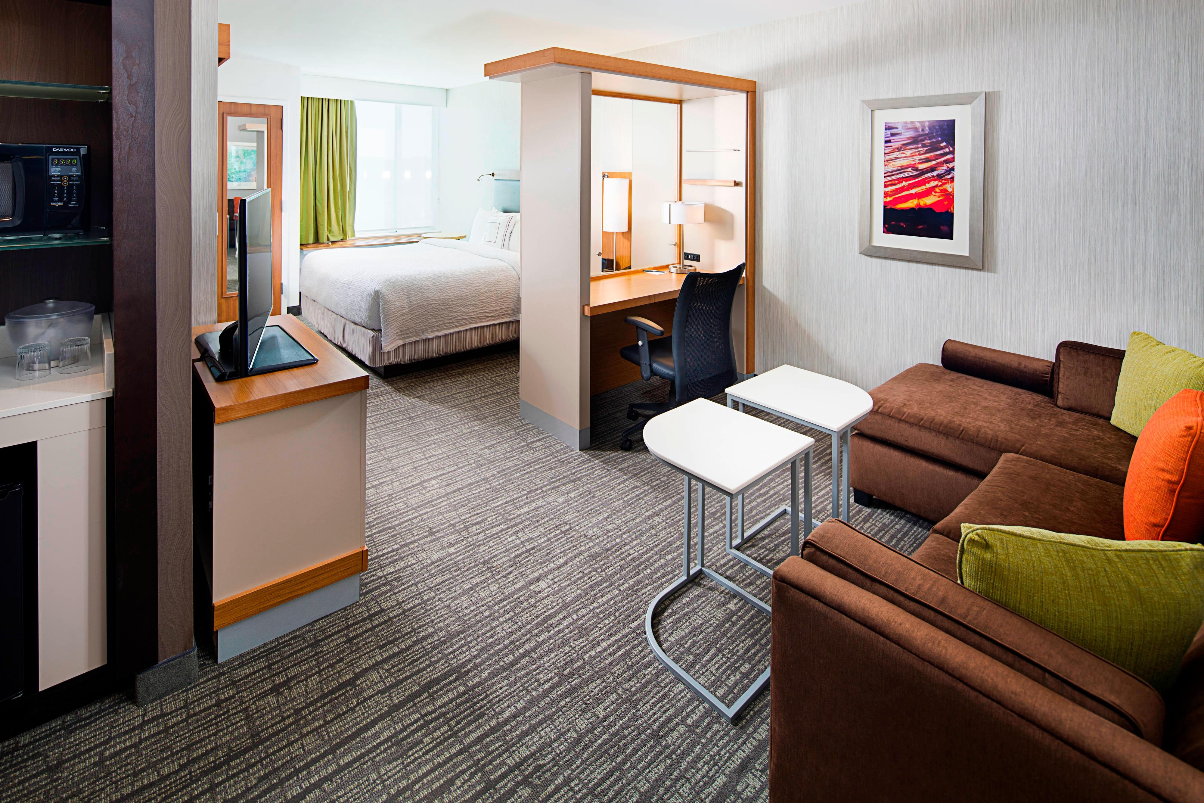 Garden city ny hotels springhill suites carle place for Springhill suites carle place garden city