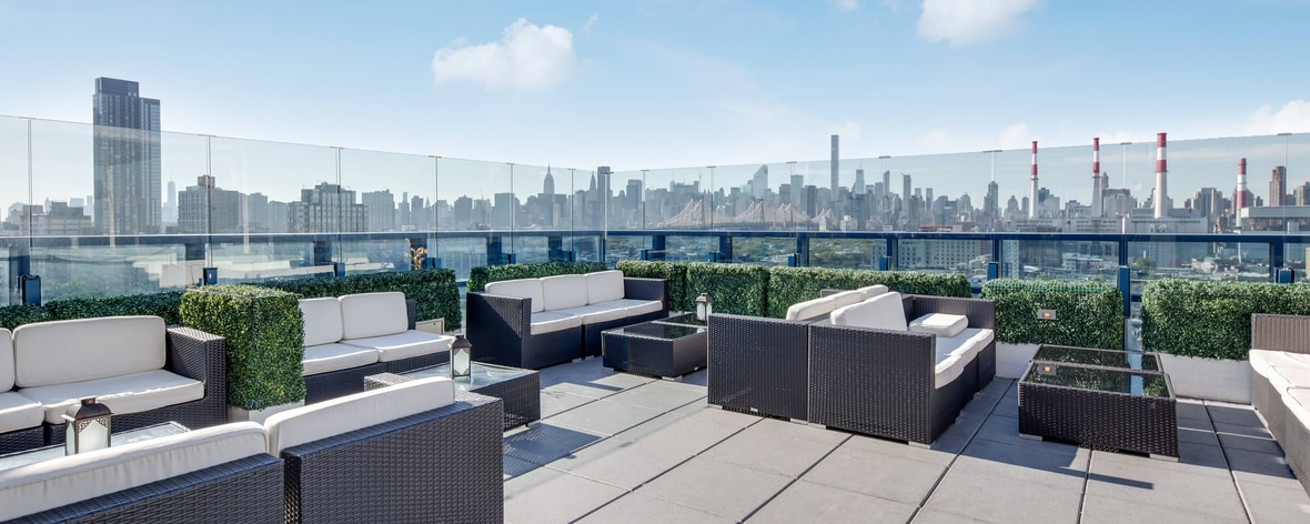 Vista Sky Lounge Roof Garden