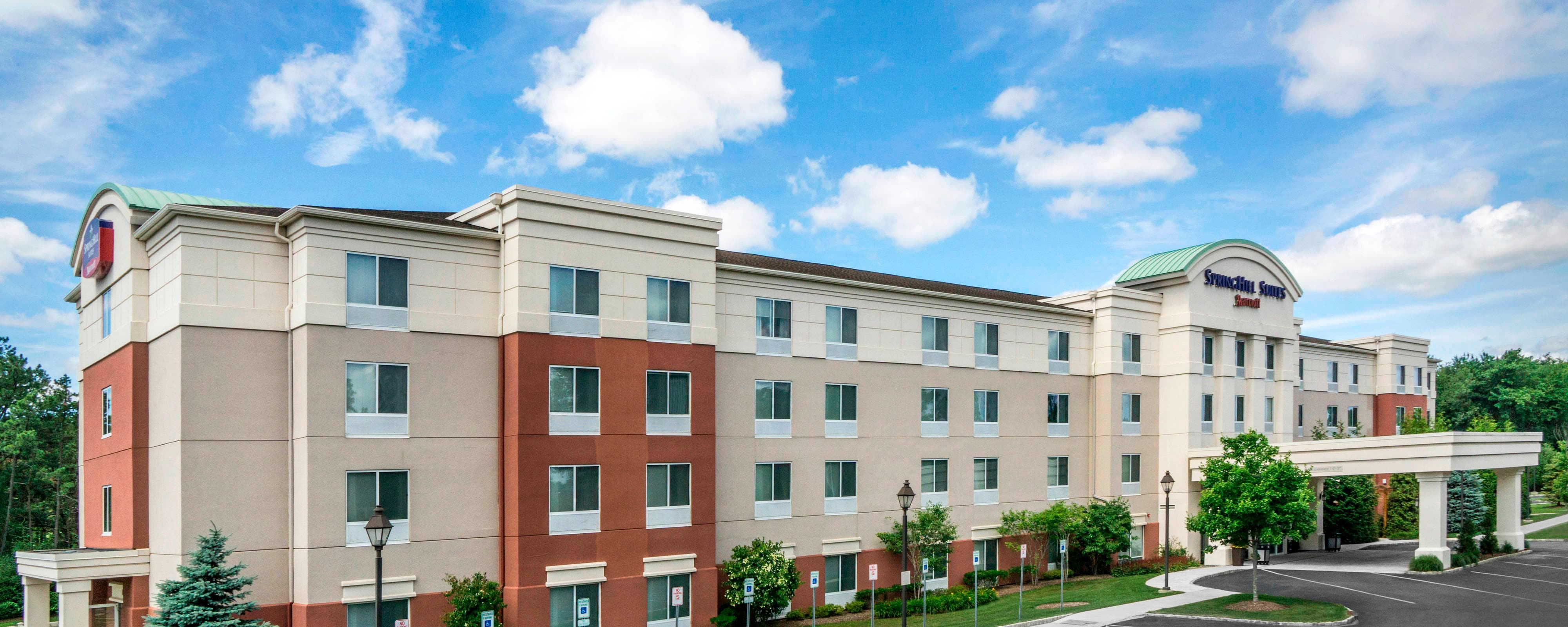 Hotels near MacArthur Airport | SpringHill Suites Long Island Brookhaven