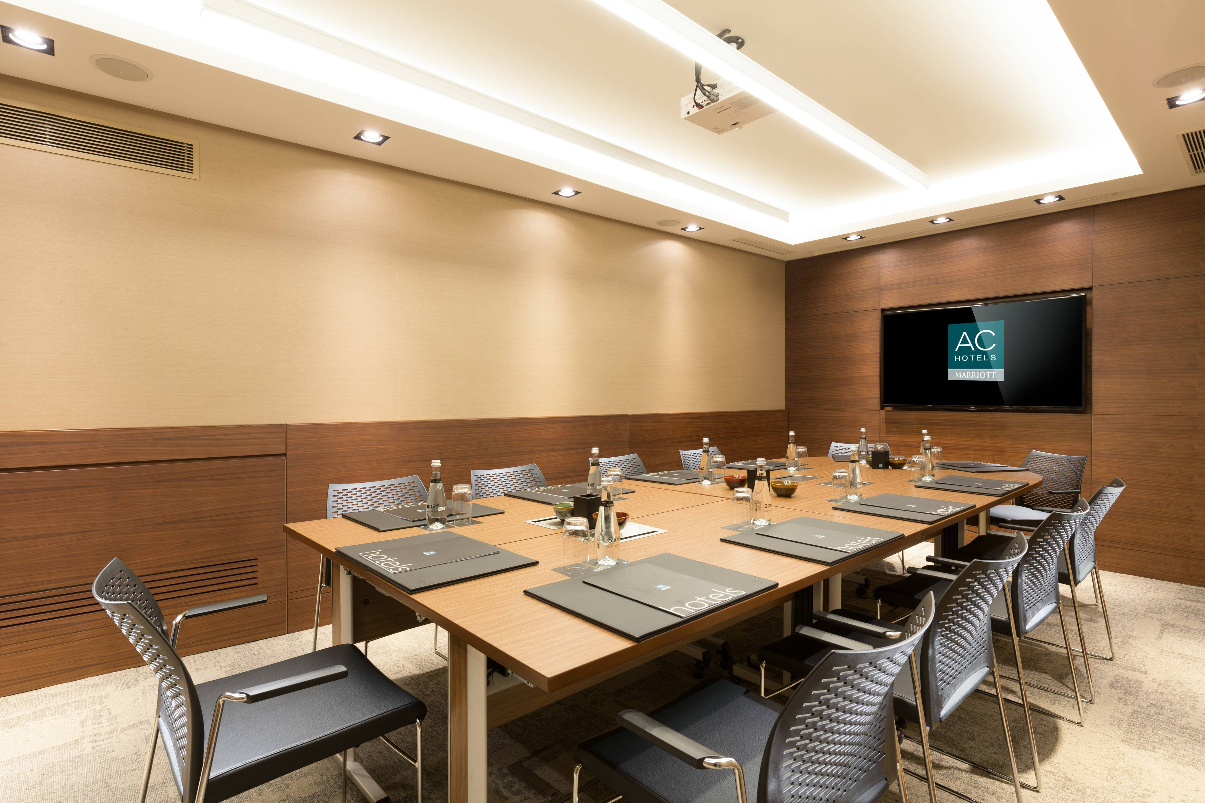 Macka Meeting Room – Boardroom Setup