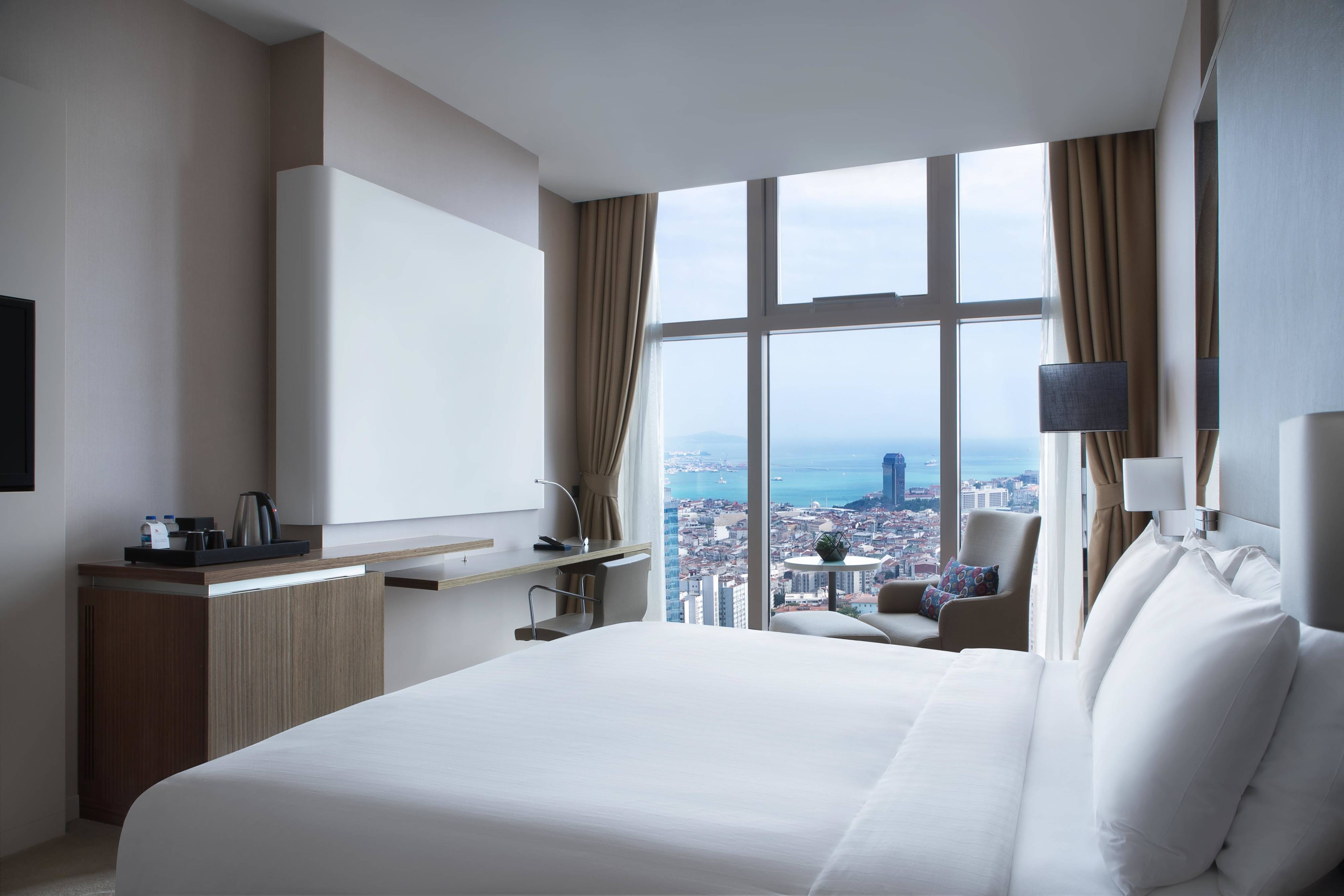 King Sea View Guest Room