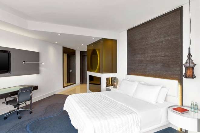 Spacious Bosphorus room, Le Méridien bed facing window, with desk