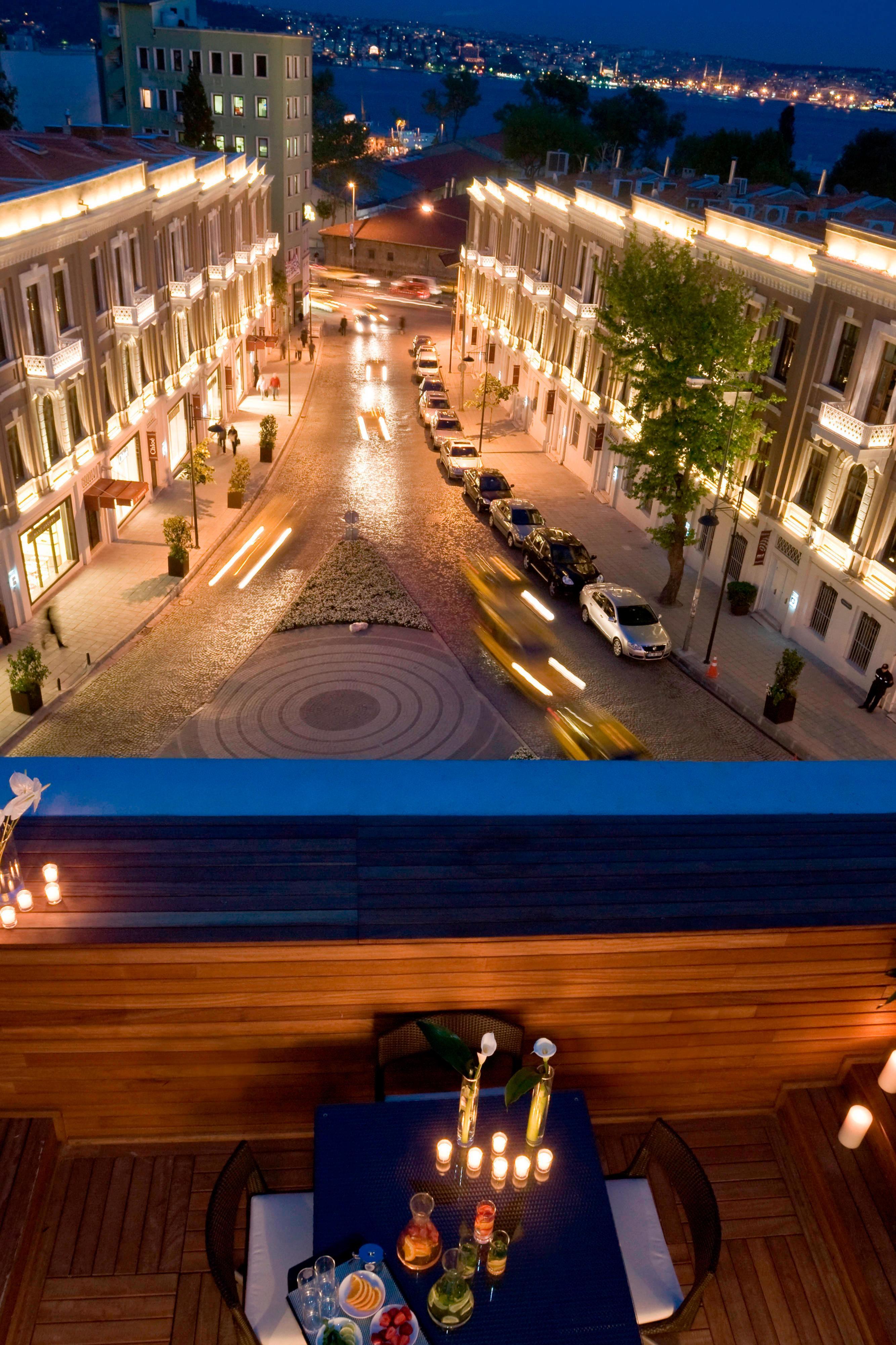 E WOW Suite-Terrace View