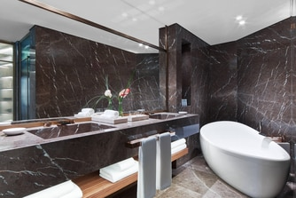 Presidential Suite Guest Bathroom