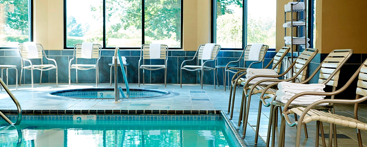 Pet friendly ithaca hotels courtyard ithaca airport for Dog friendly hotels nyc
