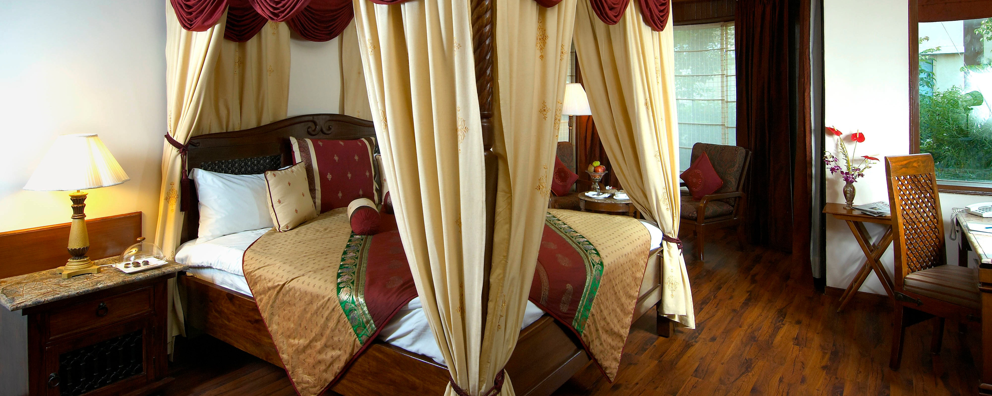 Private Villa with Four Poster Bed
