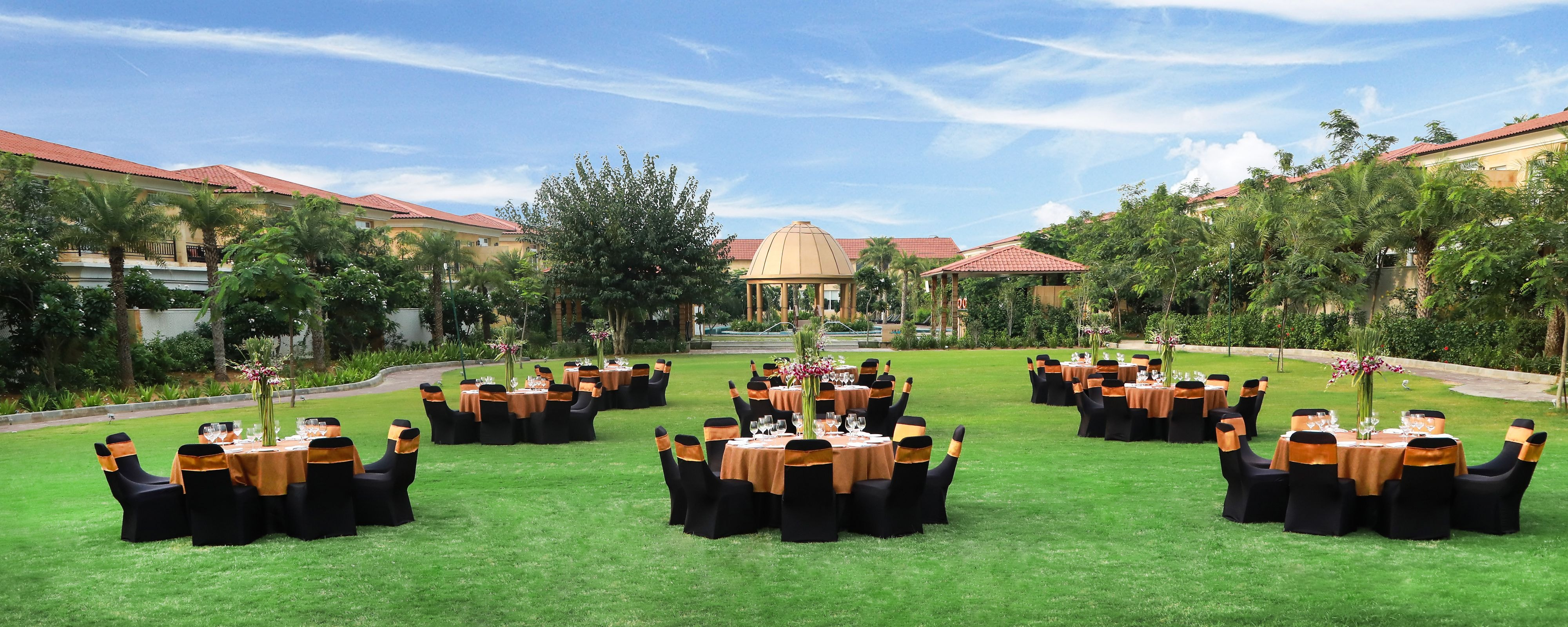 Central Lawn - Wedding Reception