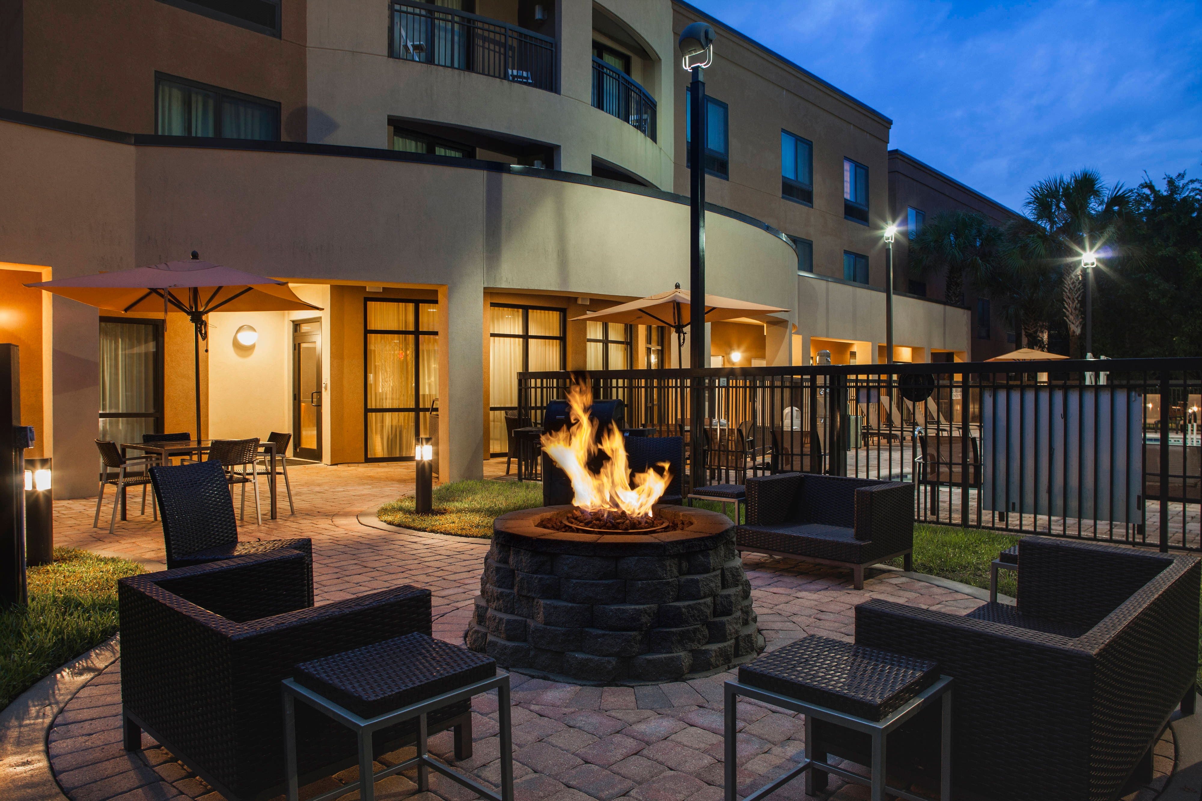 Courtyard by Marriott St Augustine Fire Pit