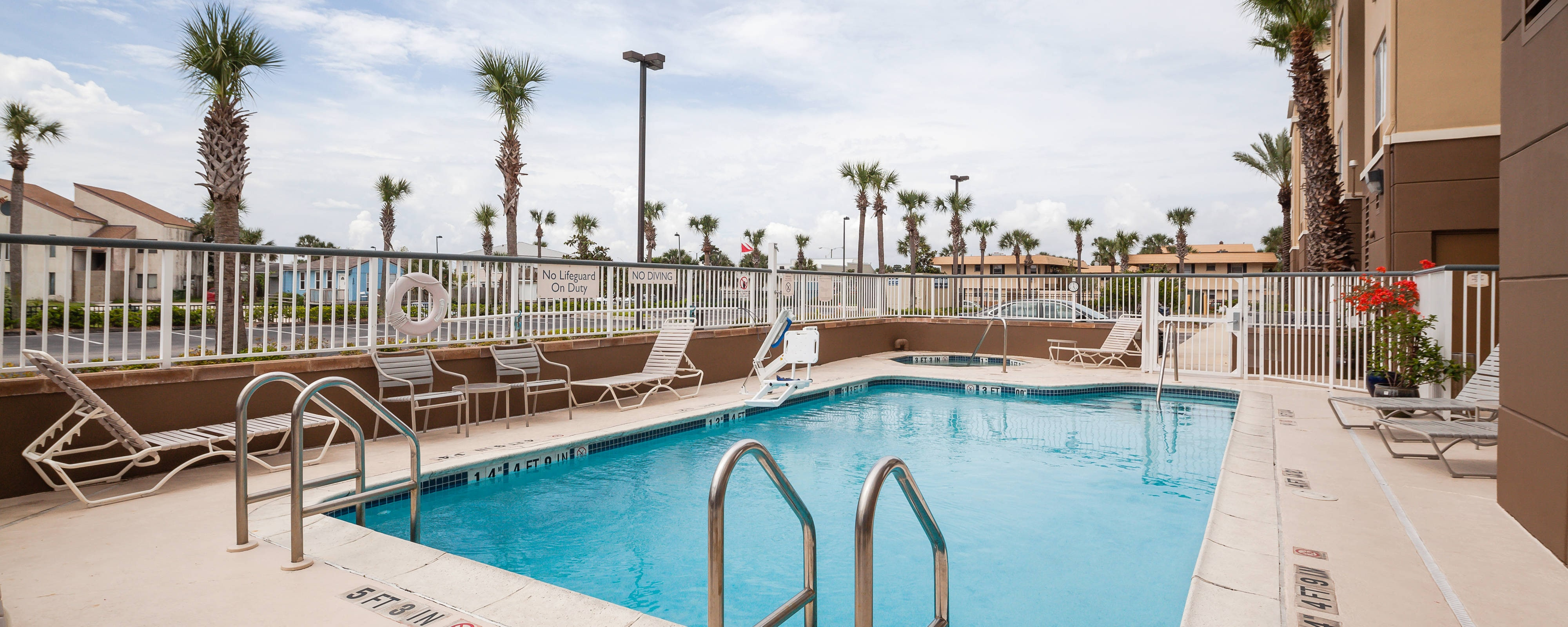 Jacksonville Beach Hotel Outdoor Pool