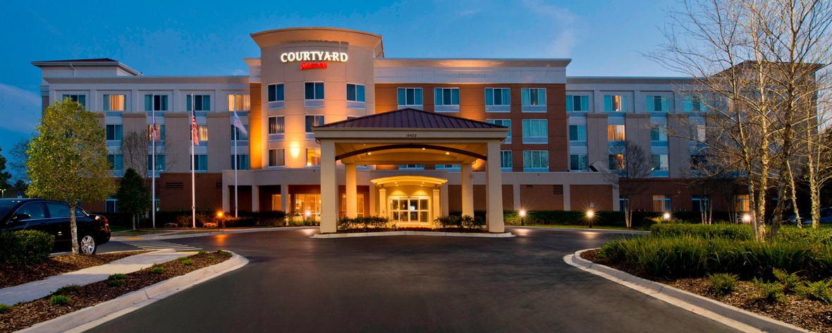 Jacksonville Fl Courtyard By Marriott Hotels Near Deerwood Baymeadows Butler