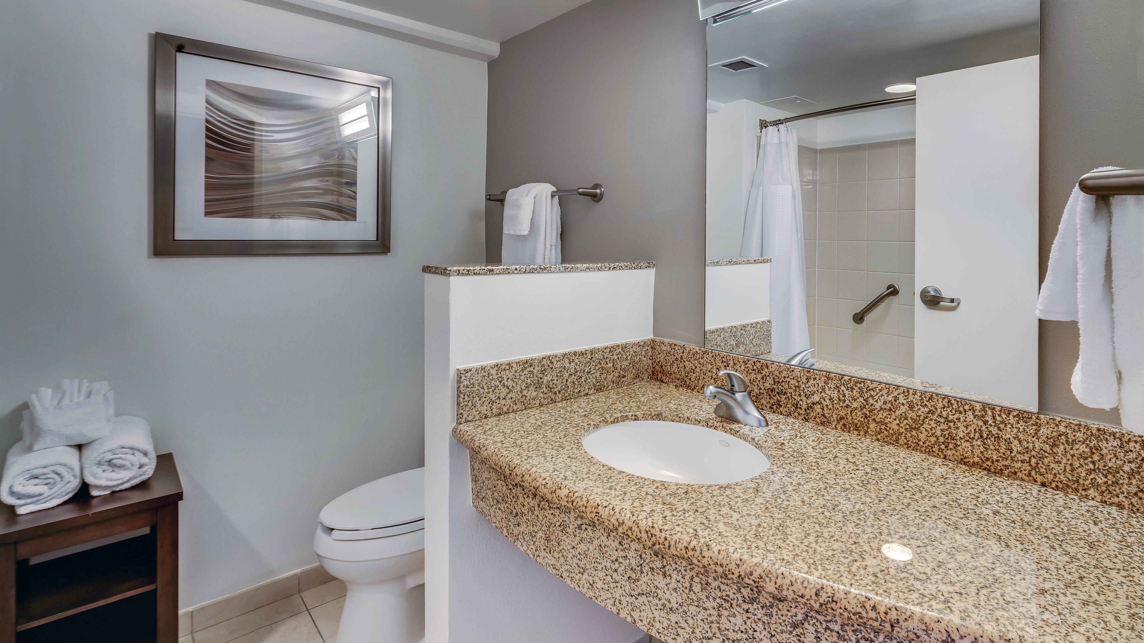 Courtyard Jacksonville Beach Oceanfront Bathroom