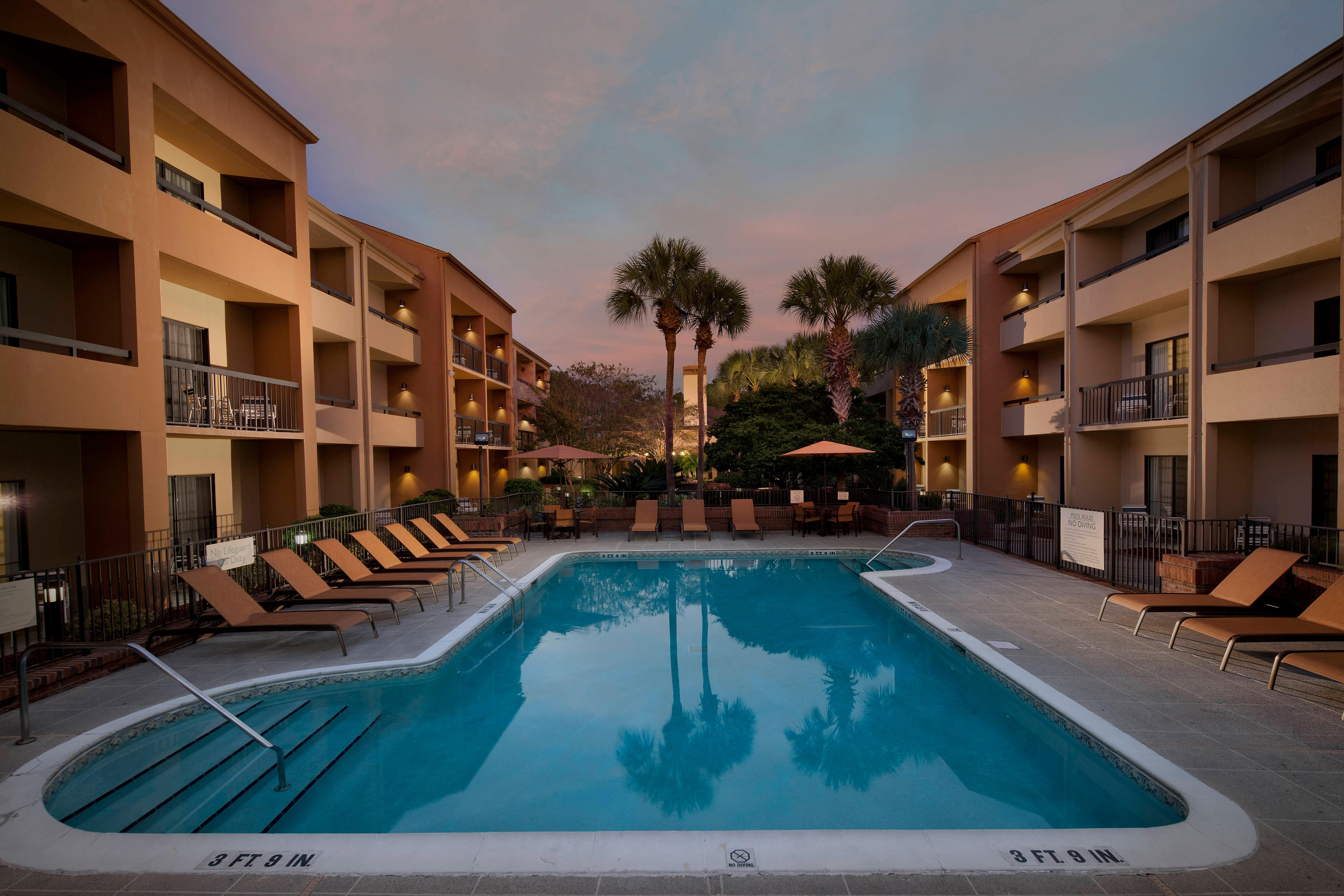 Jacksonville, FL Hotel Outdoor Pool