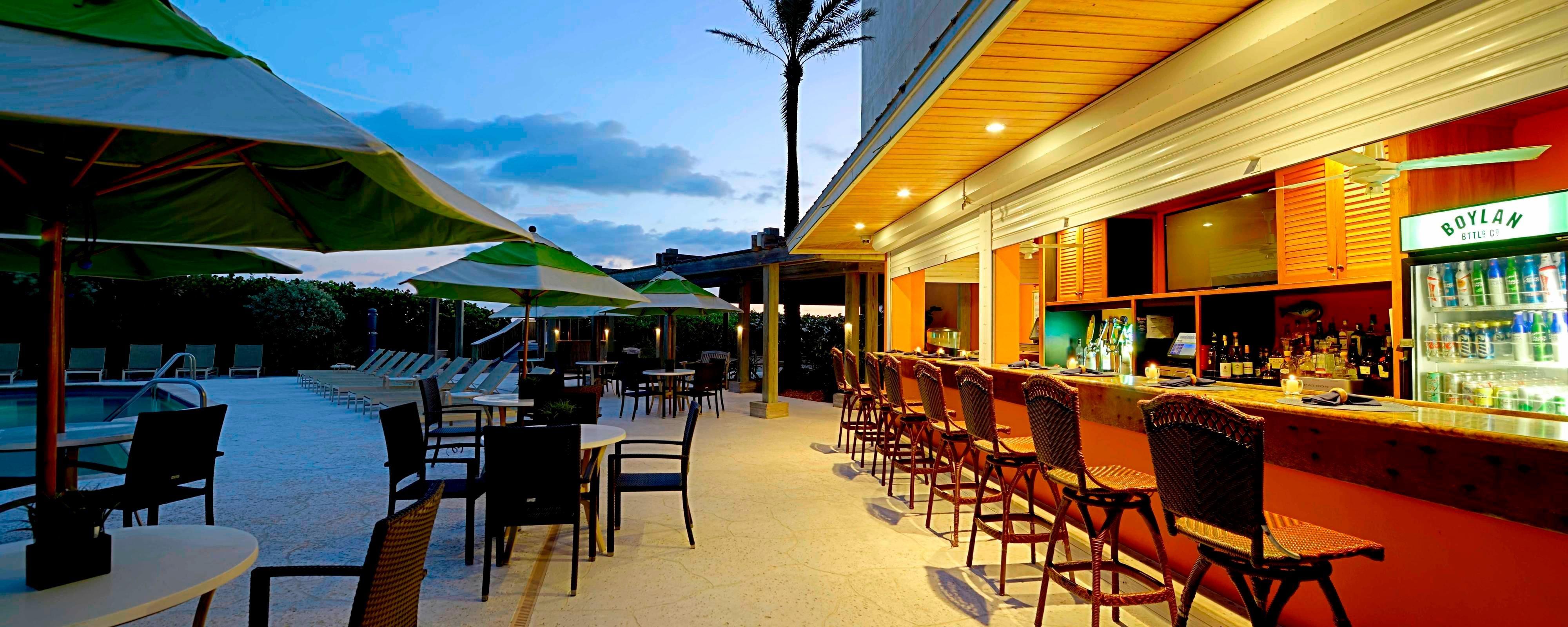 Dining Jensen Beach Restaurants Courtyard Hutchinson Island