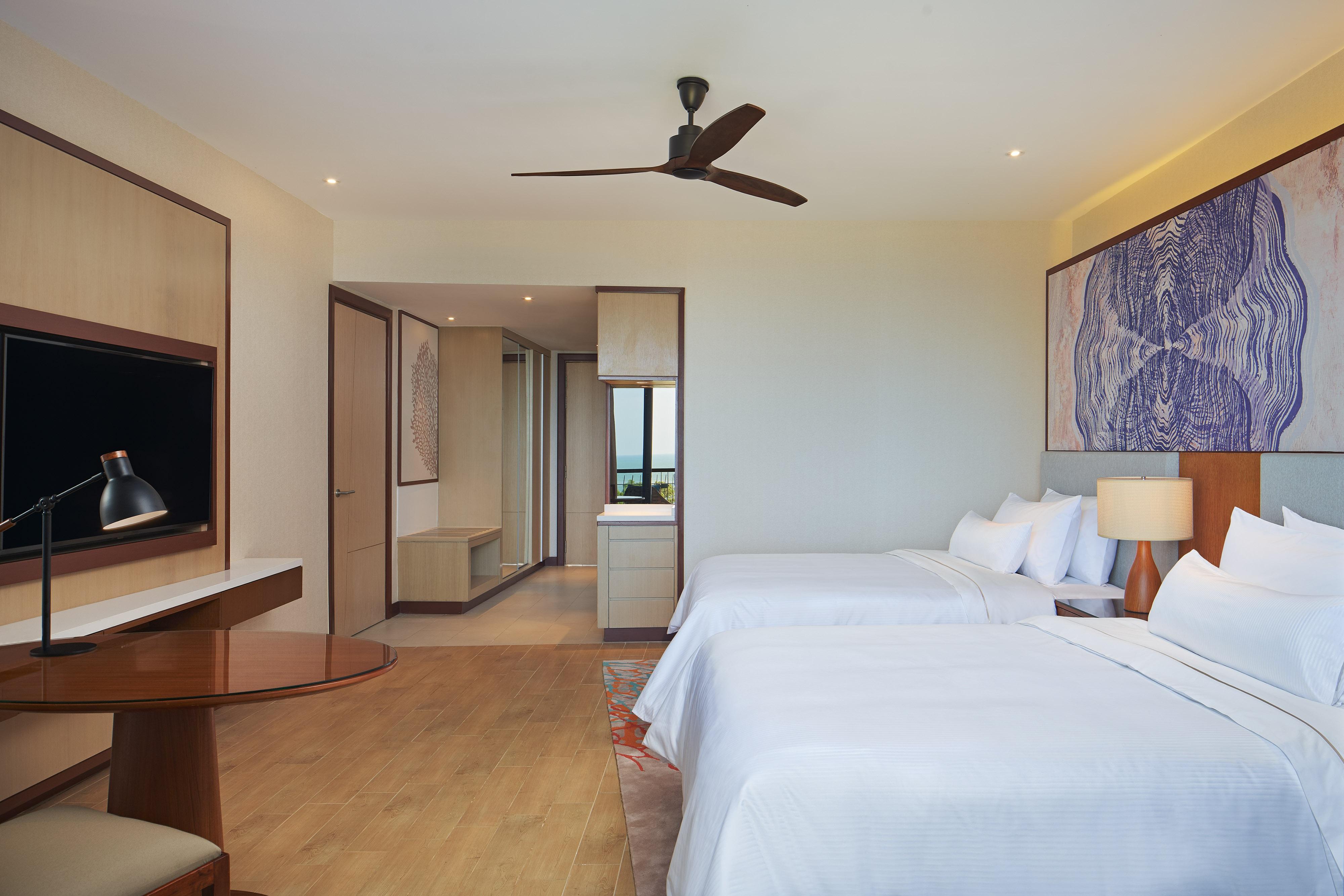 Twin/Twin Premier Seaview Guest Room