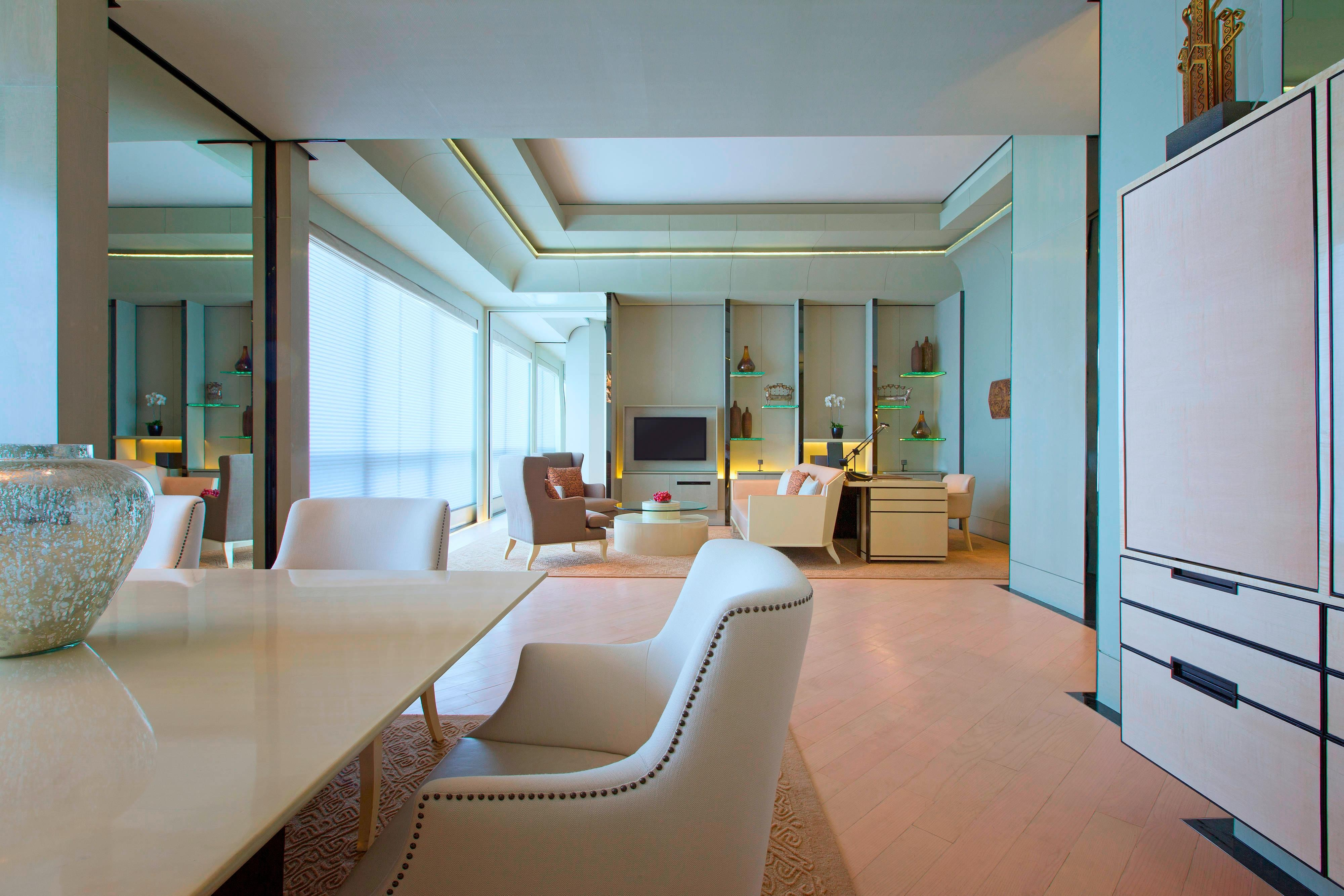 Suite - Living Area in Daylight