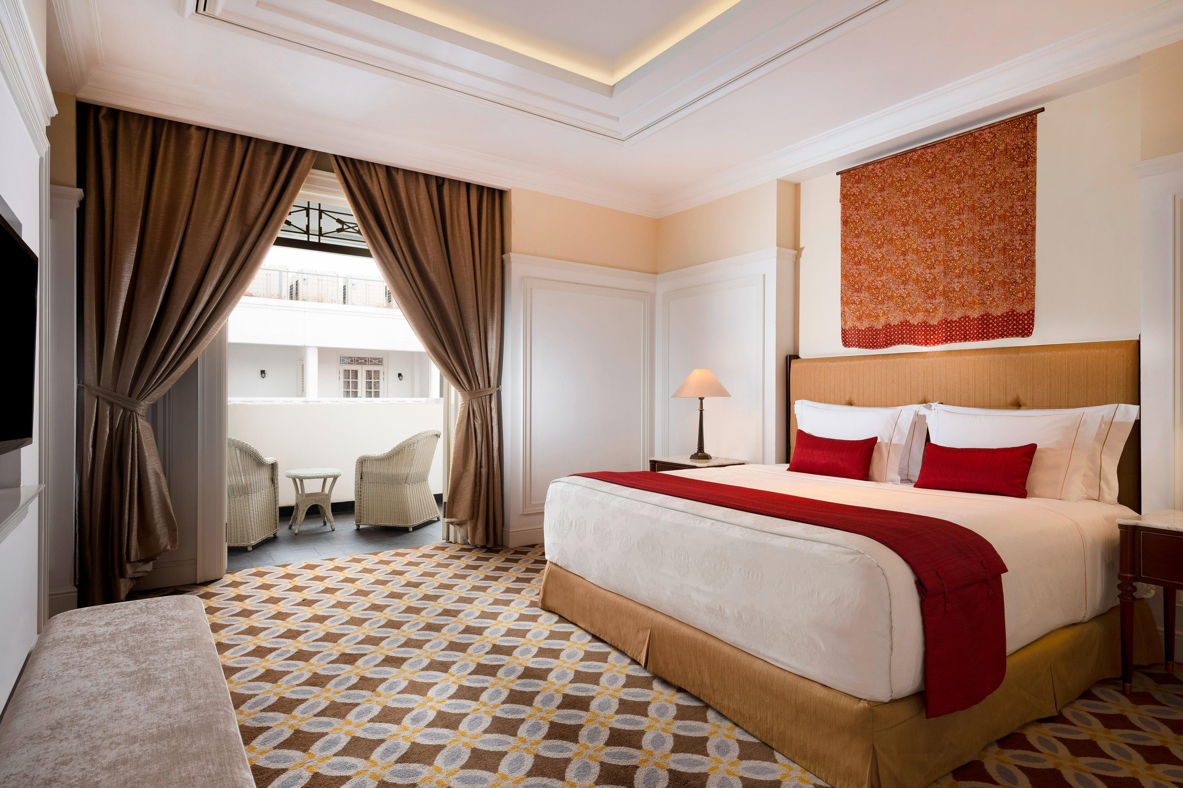 King Deluxe Terrace Guest Room