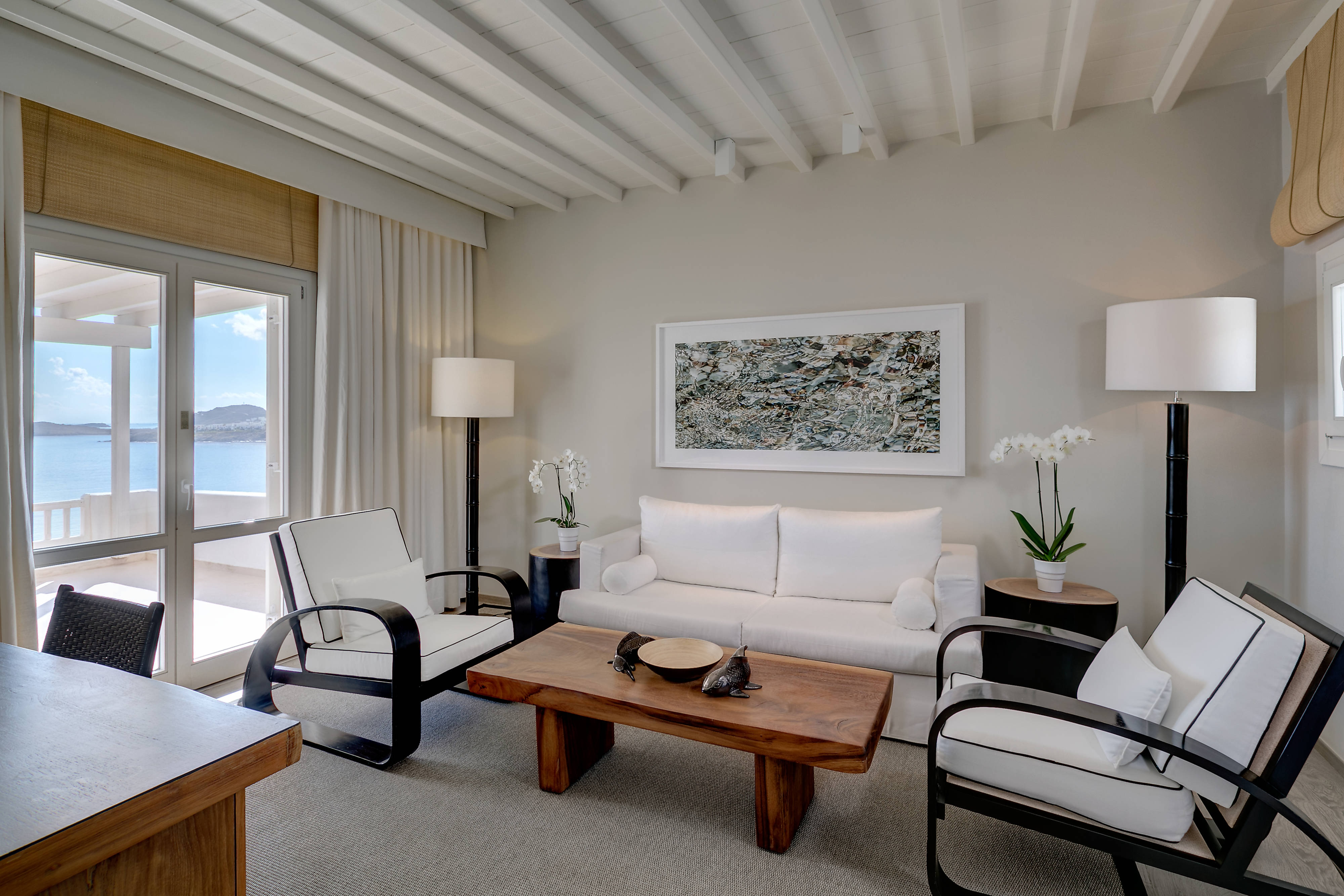Deluxe Sea View Suite - Living Area