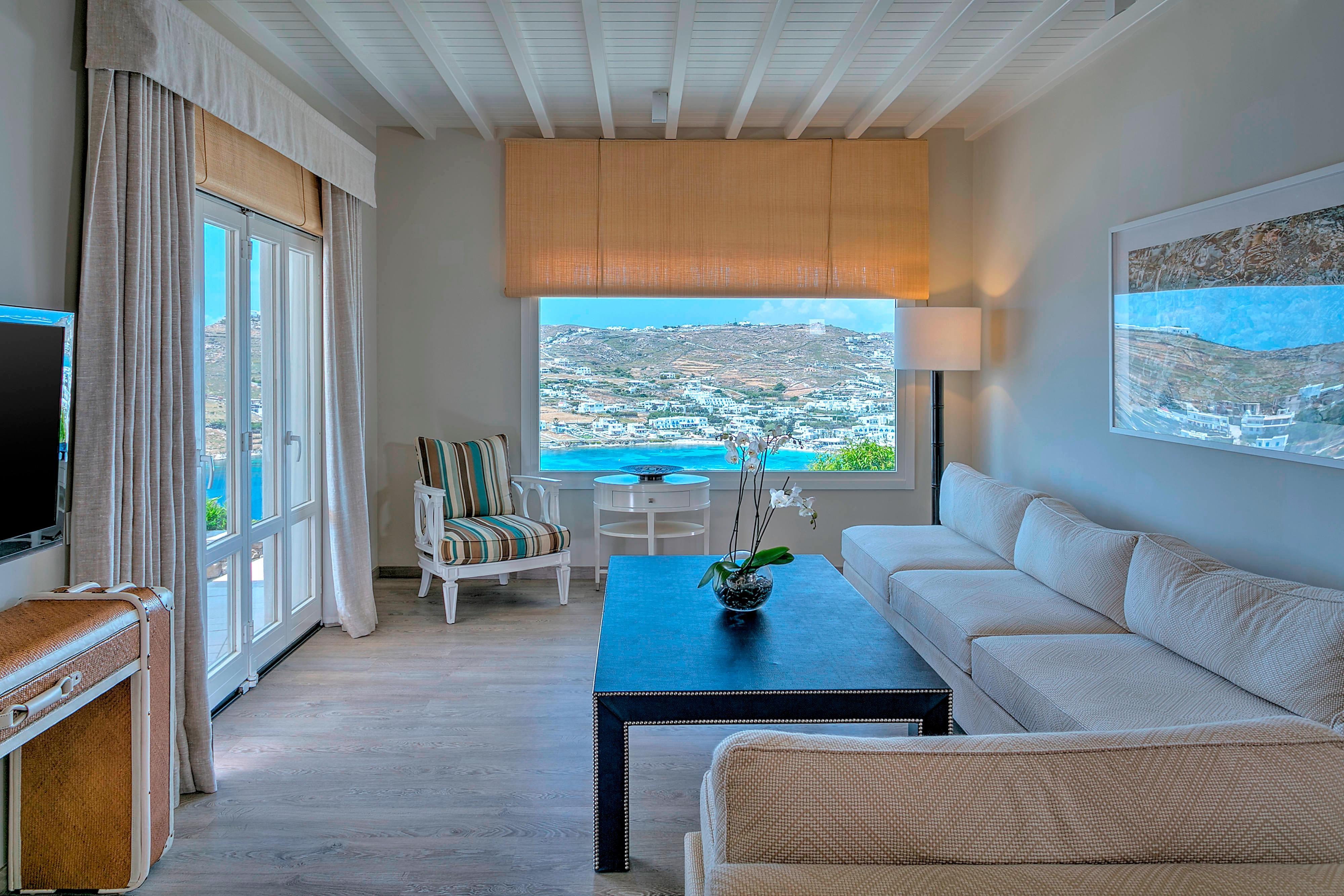 Villa Pearl Living Room Area