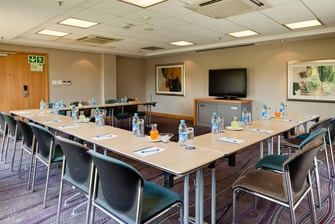 Conference Room – U-Shape Setup