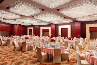 Grand Ballroom - Round Table Set Up