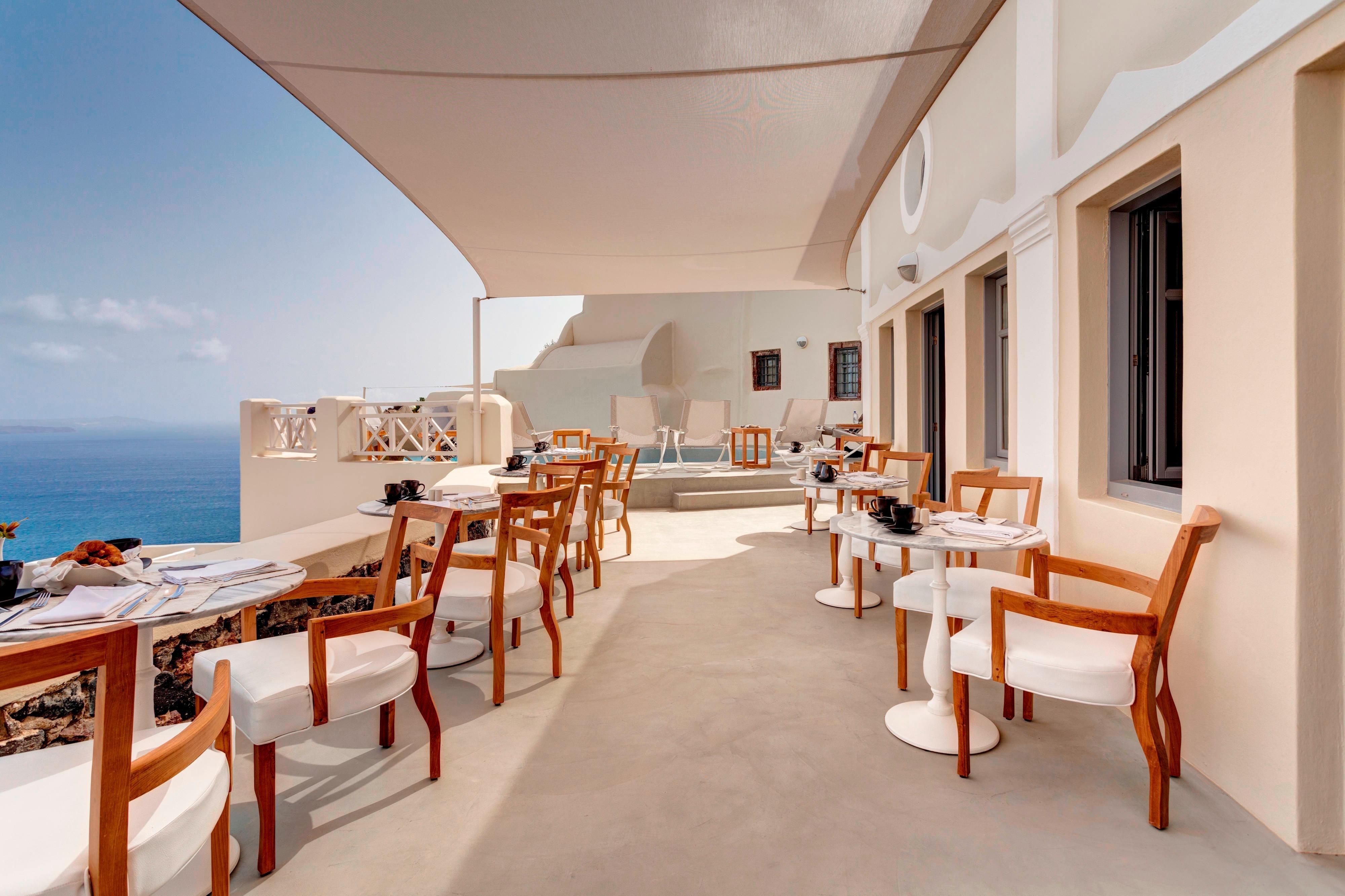 Captain's Lounge Breakfast Terrace