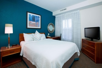 Olathe Kansas Hotel Suite Bedroom