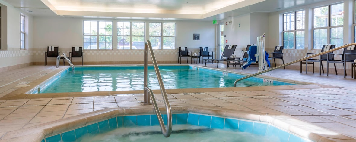 Olathe Kansas Hotel Indoor Whirlpool