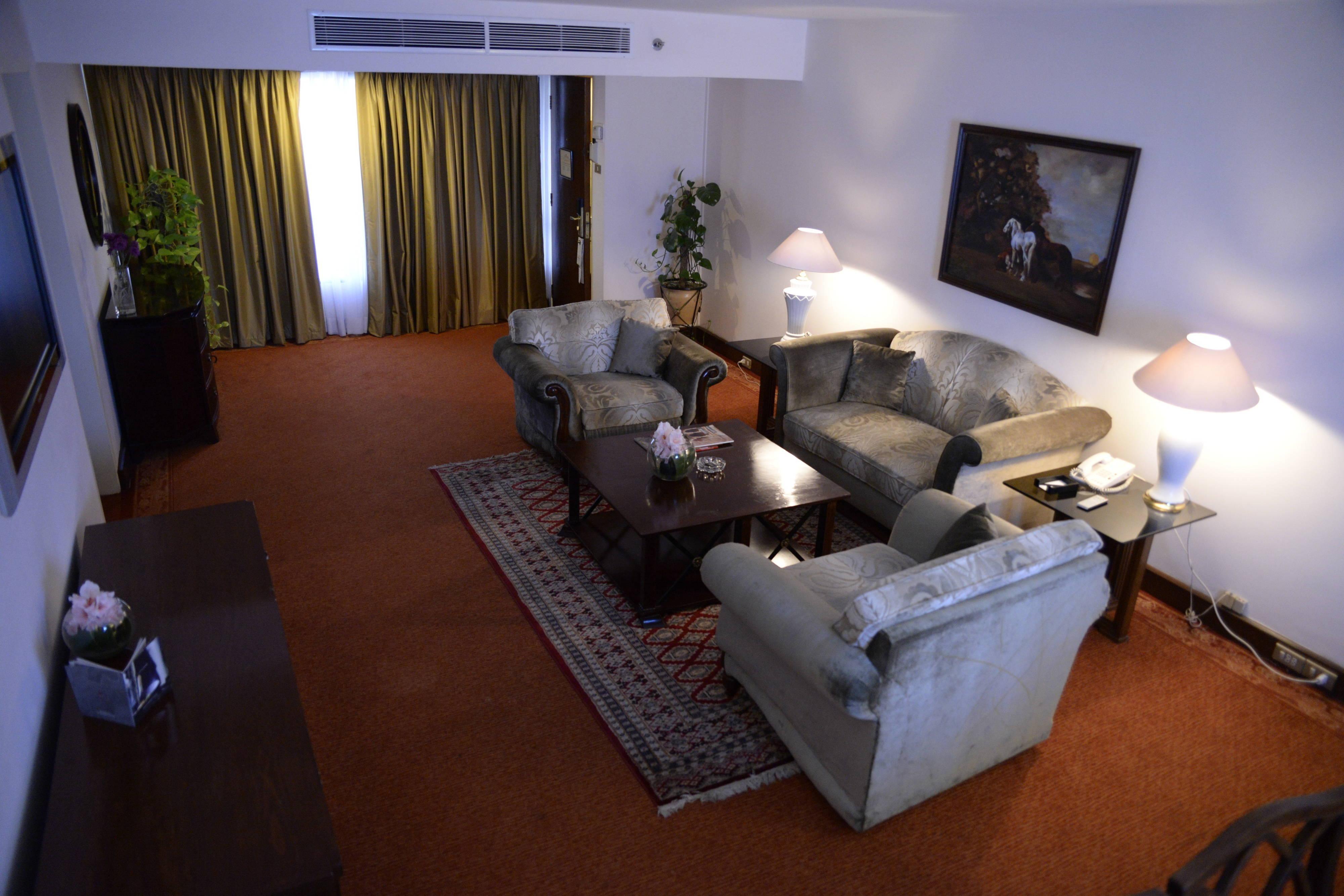 Free chat hookup rooms karachi airport video